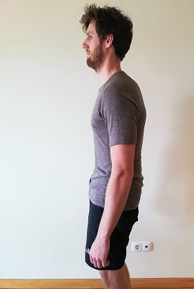 bad-posture-hypolordosis