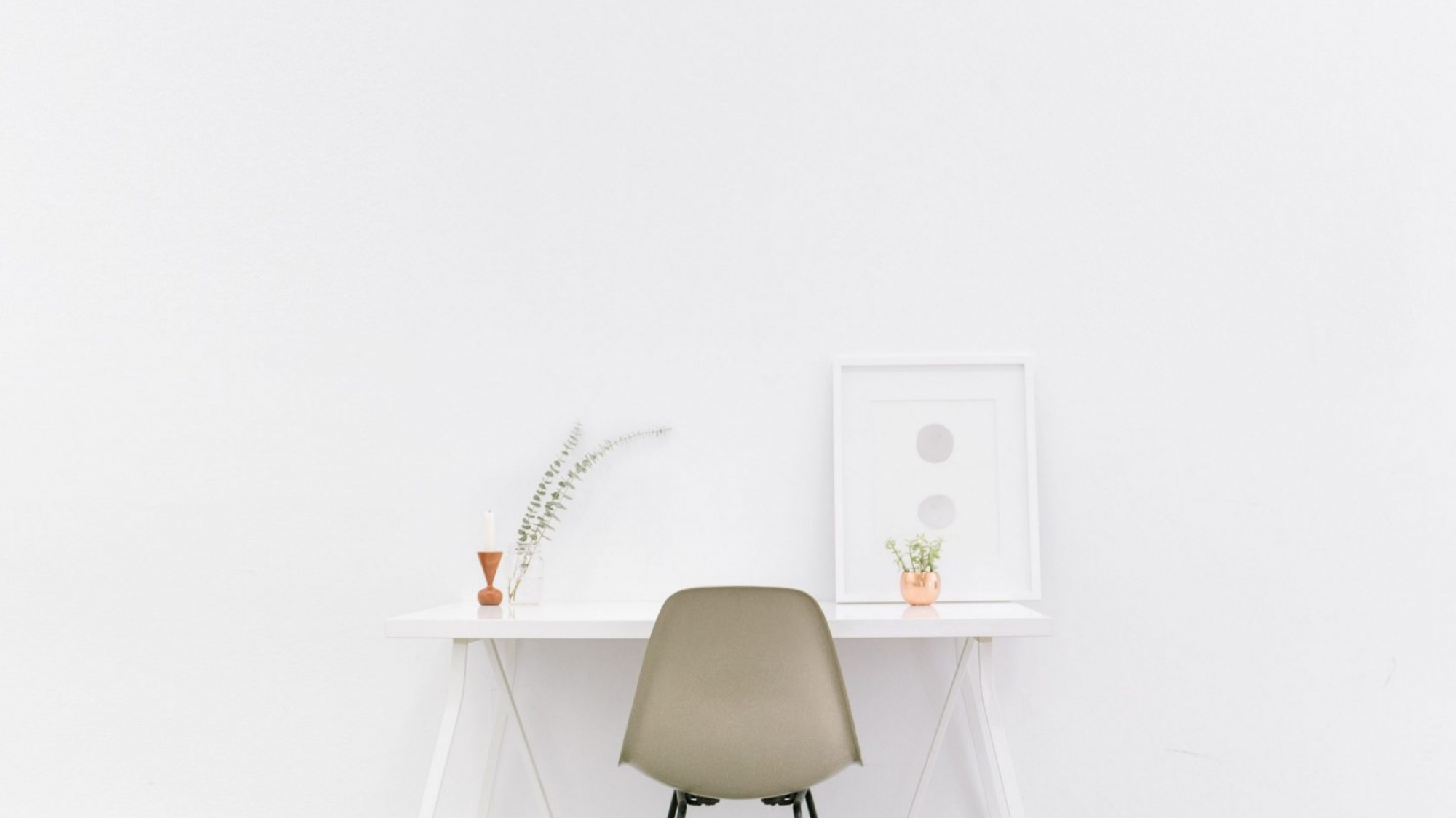 desk-with-white-background