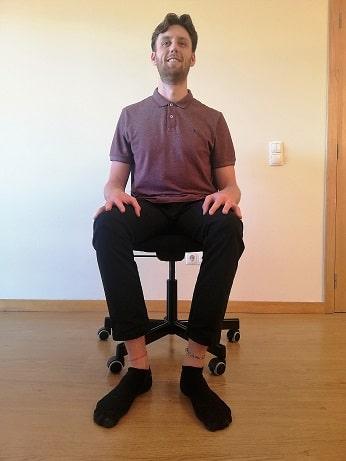 leg-exercises-in-chair-floor-squeeze