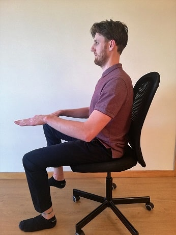 core-exercises-in-chair-knee-raise